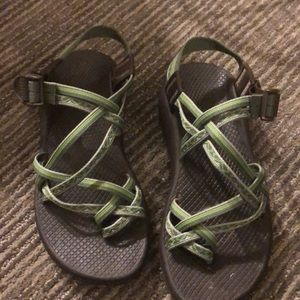 Chaco toe sandals